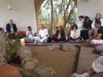 imagen meditación grupal
